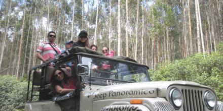 jeep montañas y valles